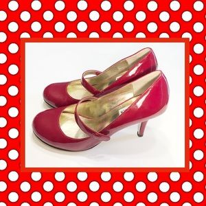 STEVE 👠 MADDEN RED PATENT LEATHER MARYJANE HEELS